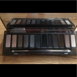Urban Decay Naked Smokey Palette